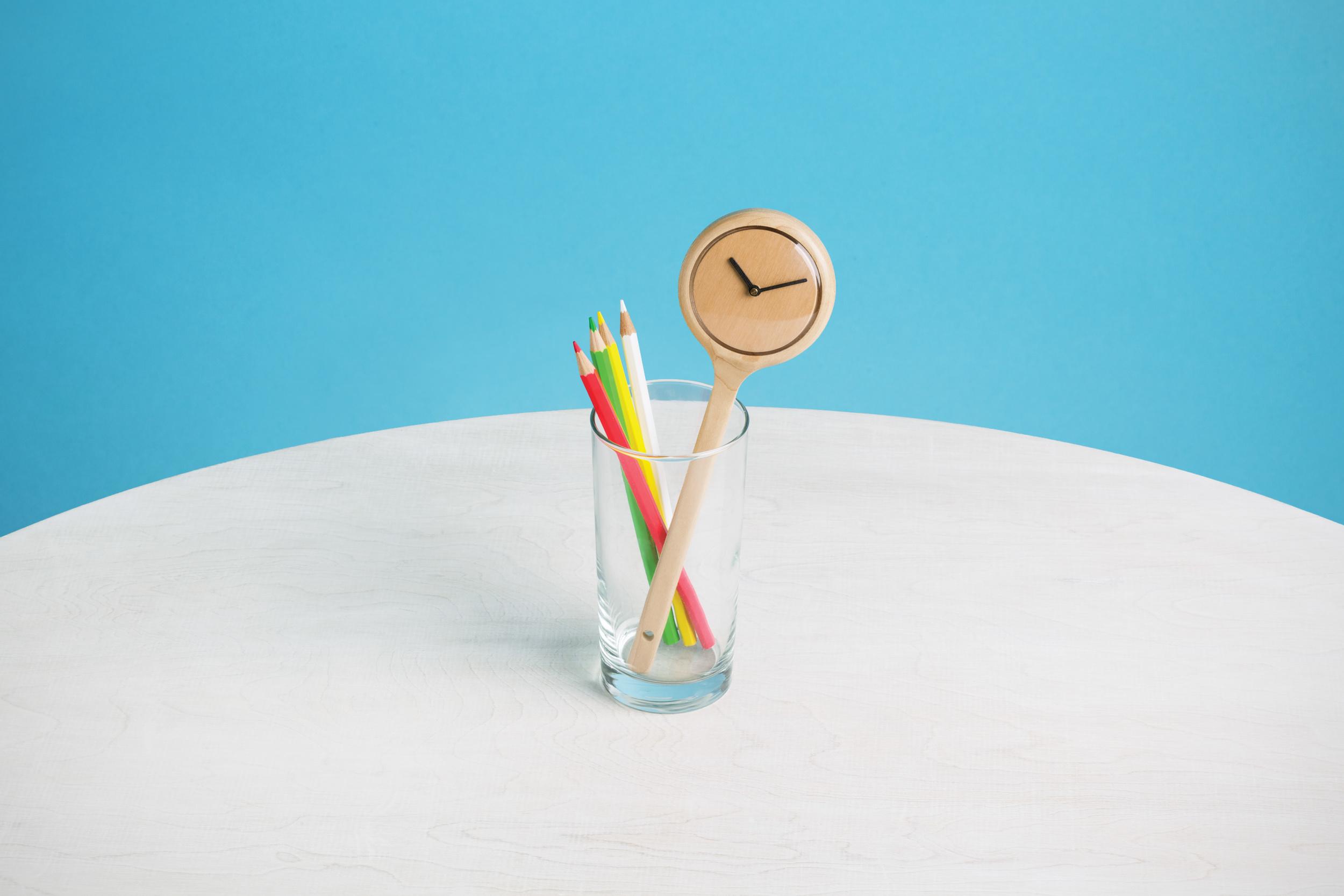 880250-390_Spoon-Clock_Natural_1.jpg