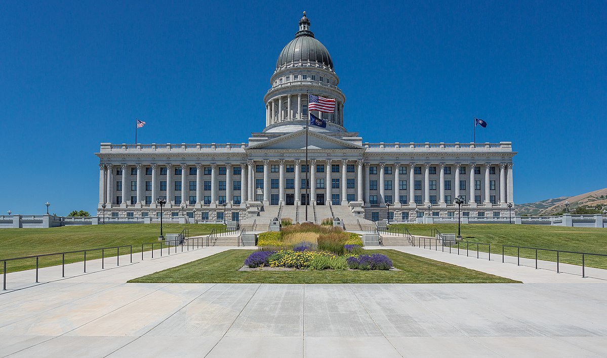 1200px-Utah_State_Capitol,_Salt_Lake_City_(7631480380).jpg