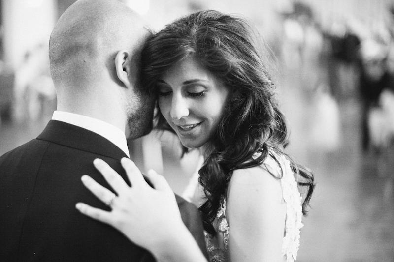 OKC_Mienders_Hall_of_mirrors_wedding-27.jpg