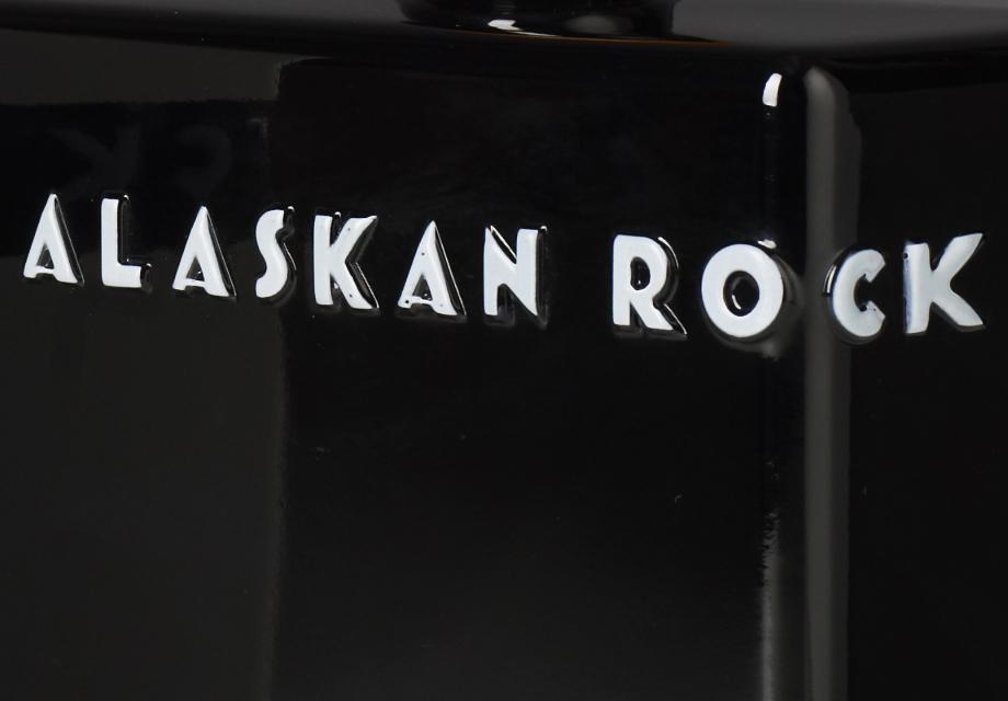 VERT_DESIGN_ALASKAN-ROCK.jpg