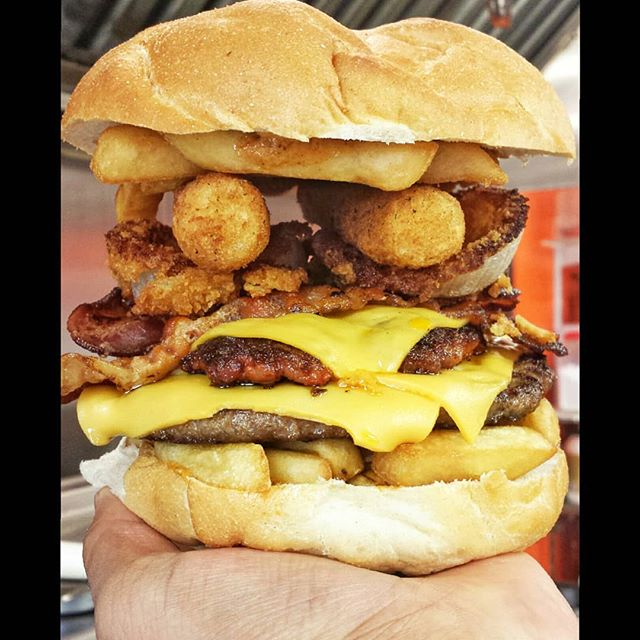 Shake your POM POMS it's Fridayayaya. Unplug yourself and indulge our new #SmokinBigBoy #burger. 📍 @sandwichtimedeli 📷 @mikeangelini 👇 Tag a Mate 👇  #Homemade #Chipotle #sauce #fries #cheeese #burger #chorizo #bacon #onionrings #mozzarellastick #eater #foodies #dailyfoodfeed #eeeeeats #foodoftheday #foodformood #foodheaven #foodforfriday #foodlover #foodpassion #foodbaby #fooddairy #food @harriswh4