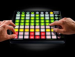 novation-launchpad-music-control-surface_1.jpg