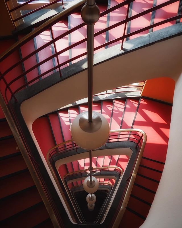 Red with a side of red • • • • • • • • #hauptstadt #visitberlin #deinberlin #bauhaus #tv_pointofview #ig_berlin #hausdesrundfunks #snapseed #germanvision #igersgermany #ig_germany #staircases_fireescapes #deutschland_greatshots #staircases #architecturephotography #bauhausarchitecture #bauhausdesign #theworldneedsmorespiralstaircases #architecturelovers #berlin365 #berlin #getolympus #picoftheday #staircase #hanspoelzig #lifeofgermany #stairsdesign