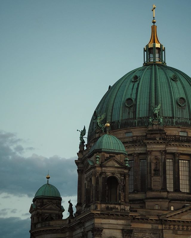 "Serving ""Dusk after storm lustgarten neoclassical religious monument realness"" . . . . . @srs_germany @srs_buildings @ig_berlin @officialfanofberlin @visit_berlin @hum_berlin @awesomeberlin @berlin_places_faces @dasechteberlin @go_berlin @ihavethisthingwithberlin . #bestgermanypics #ig_deutschland #deutschland_greatshots #igersberlin #visit_berlin #berlinbreeze  #diestaftberlin #ig_berlin #berlinpage #ig_berlincity #berlinworld #wonderlustberlin #germanytourismus #berlingram #meindeutschland #loves_united_berlin #srs_germany #srs_buildings #deutschland #offizialfanofberlin #ihavethisthingwithberlin #wanderlust #beautifuldestinations #bestplacestogo #wonderfuldestinations #passionpassport #berlin2go"