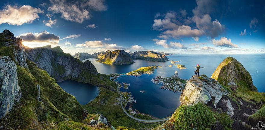 Nude hiking? Visit Norway, så klart!