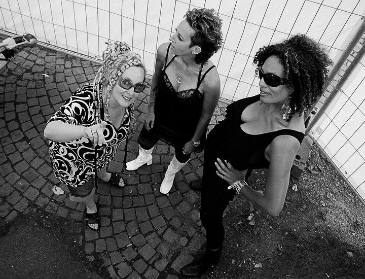 Photograph by Lana Yanovska. Image courtesy of BETTY Band.