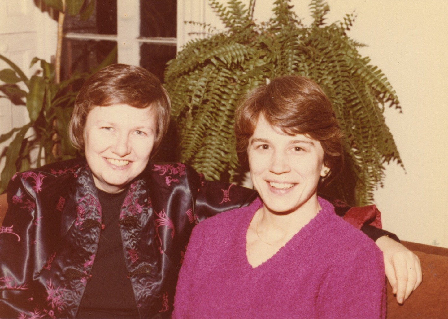 Identity House friends: Sally Cowan and Alice Kraus in 1980. Image courtesy of Lee Zevy.
