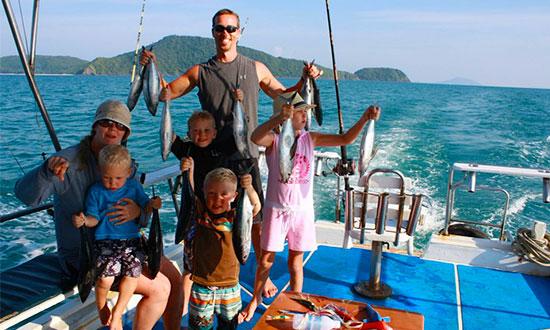 МОРСКАЯ РЫБАЛКА групповая   рыбак 1300 бат, не рыбак 1100