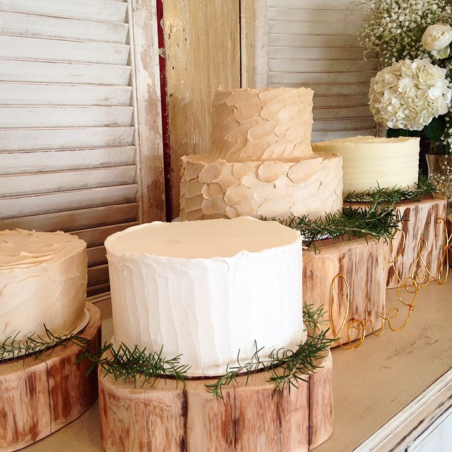 Four cakes for Kelley & Hank! Congrats to this weekend's #butterfaceweddings couple!