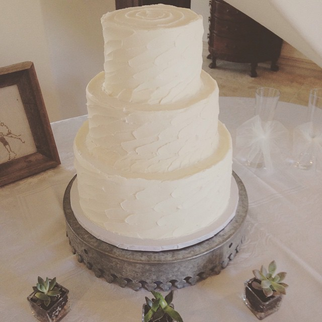 Last weekend's dreamy cake. Congrats Tamara & Ryan! #butterfaceweddings