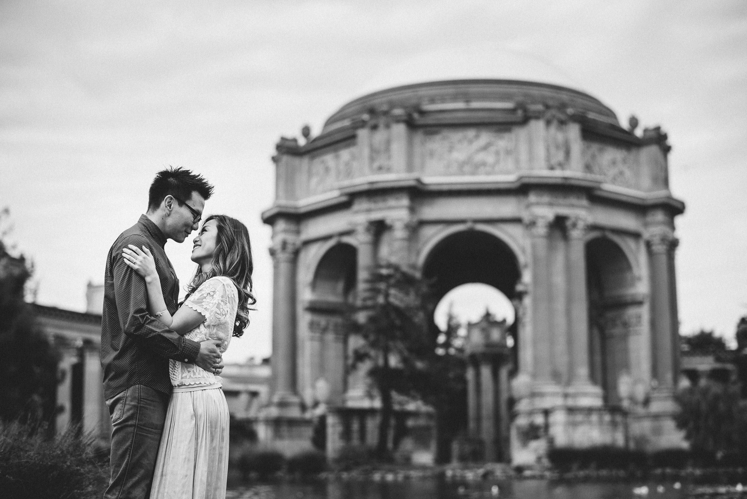 Palace-of-Fine-Arts-San-Francisco-Engagement-Photography-008.jpg