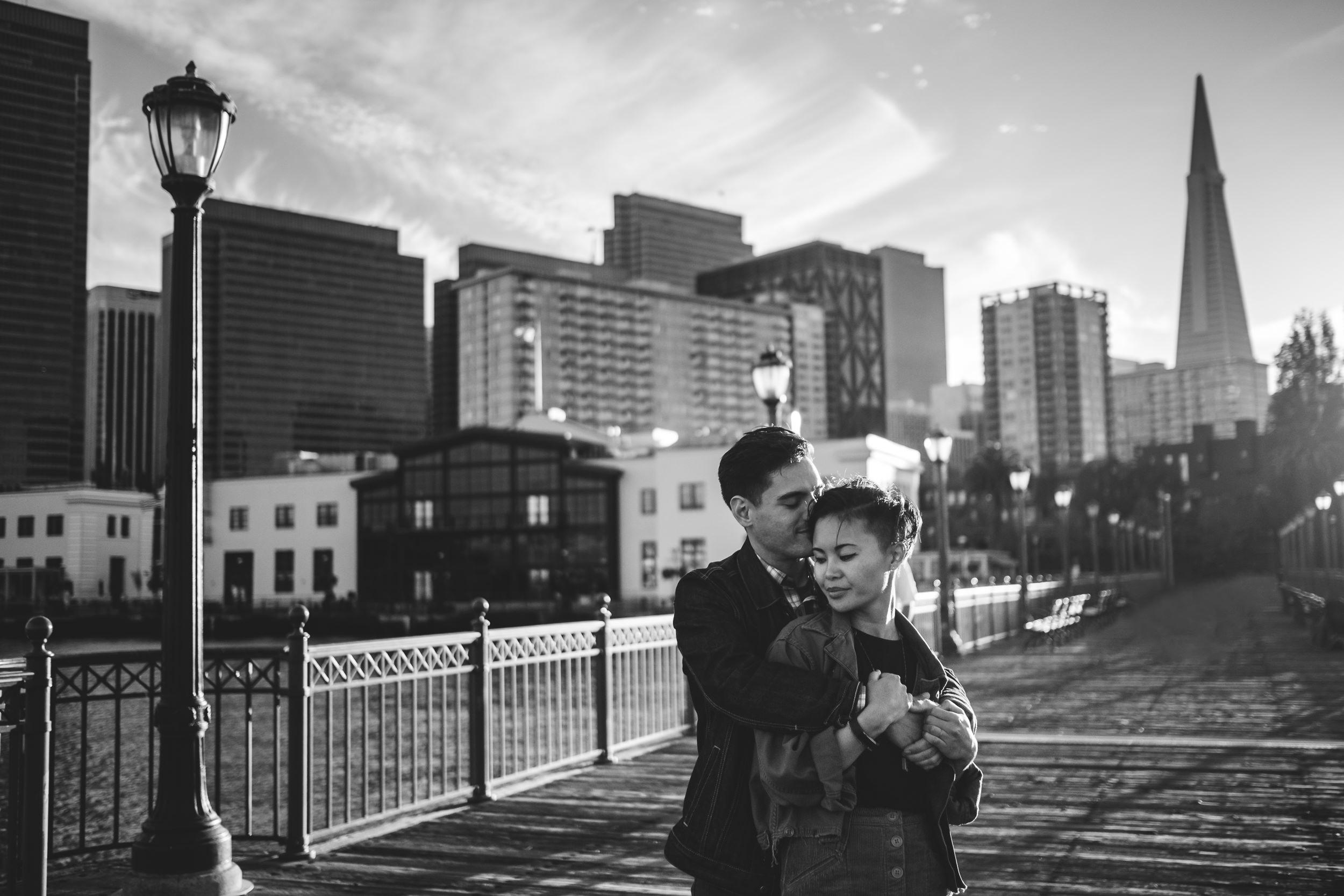 San-Francisco-Embarcadero-Engagement-Photos-010.jpg