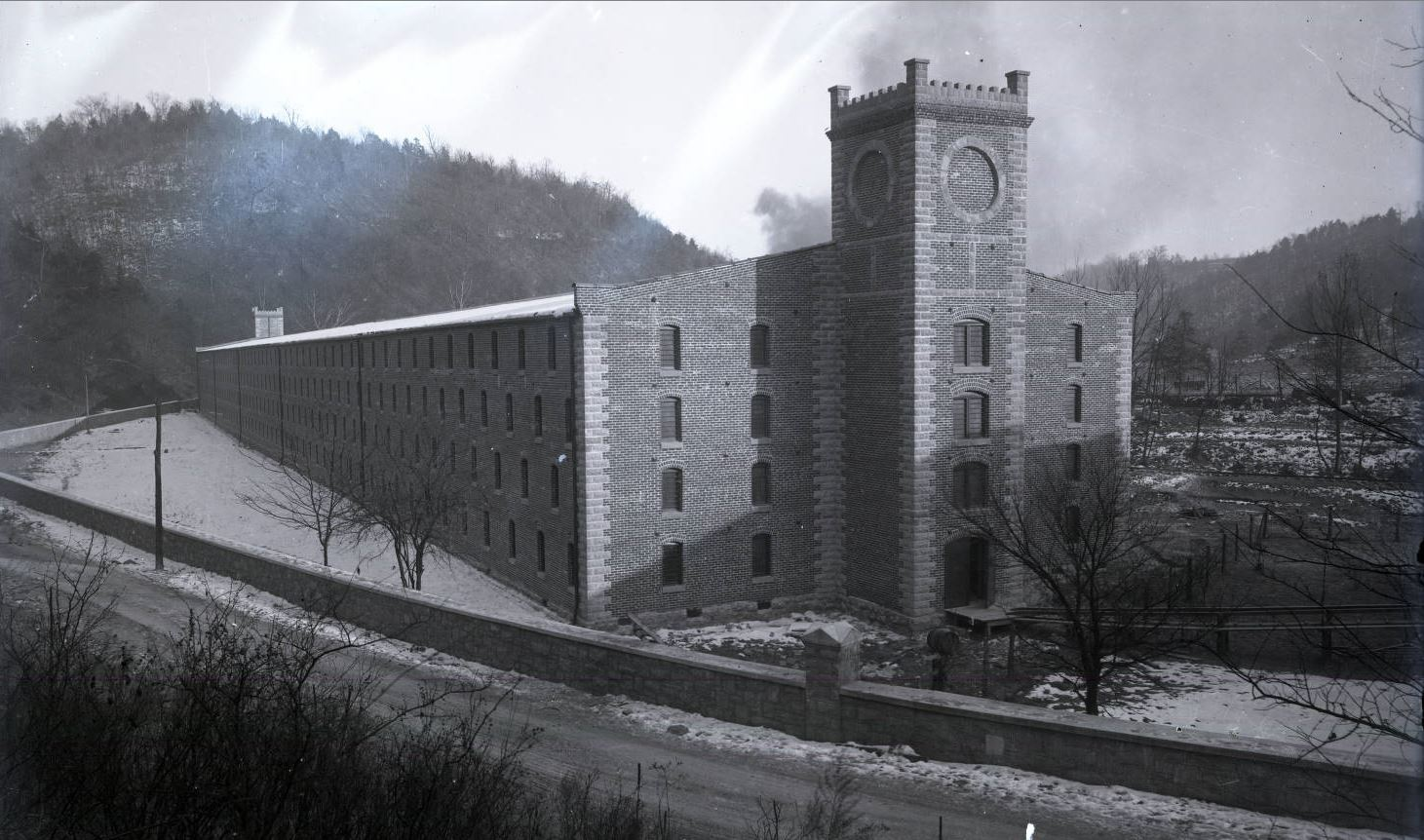 Old_Taylor_Distillery_Rickhouse.jpg