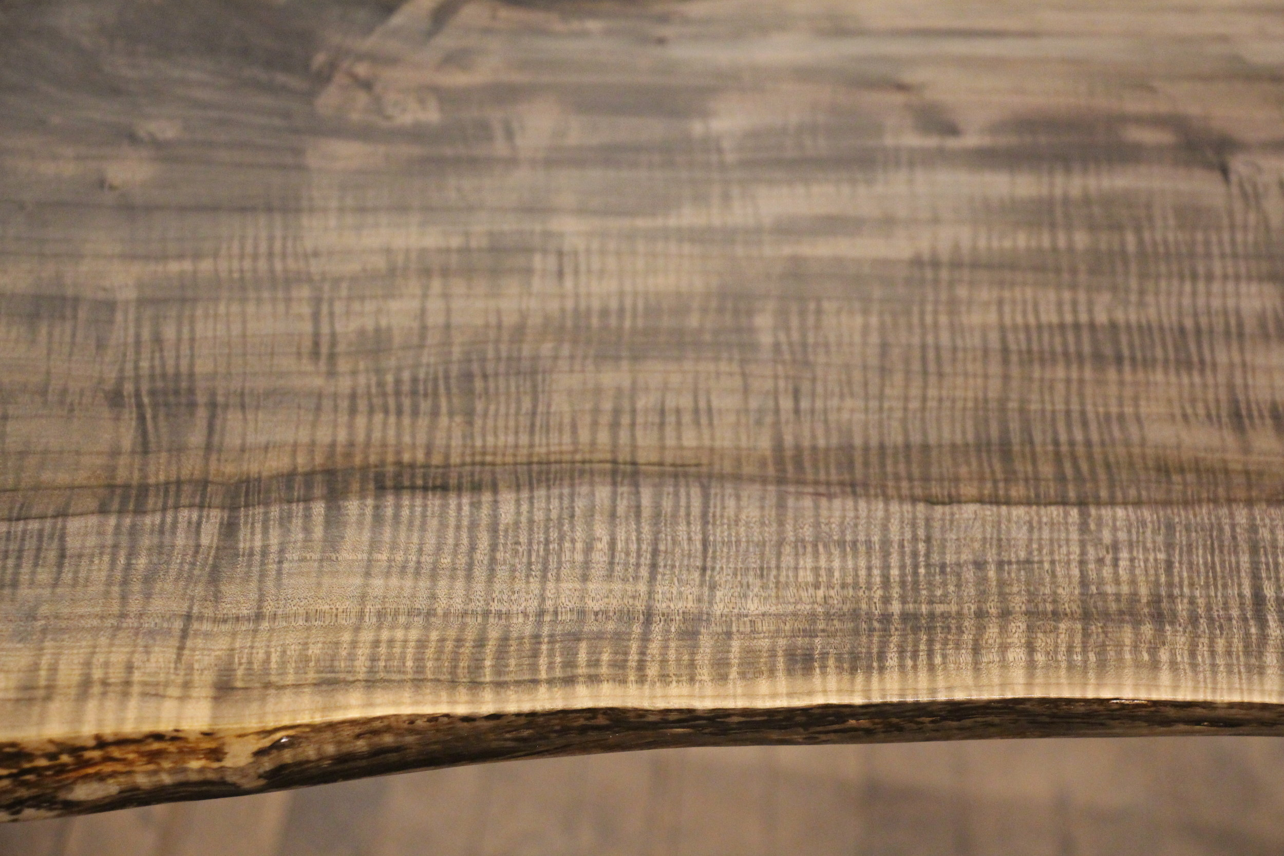 Ambrosia maple / live edge / medium oxide / polyurethane