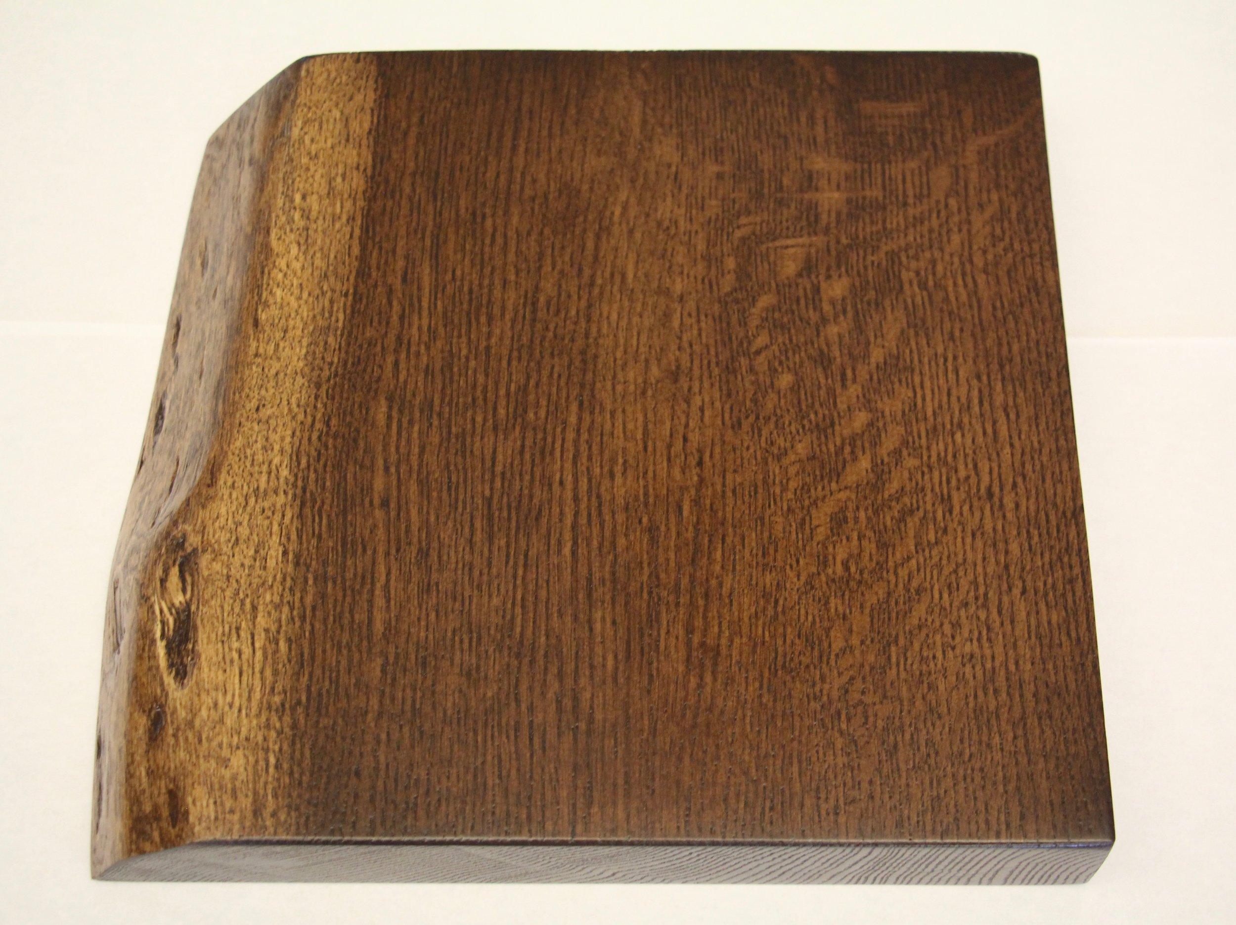 Red oak / live edge / smooth / walnut stain / polyurethane
