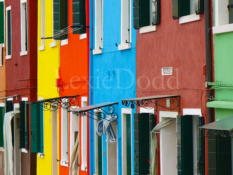 Burano housesClose.jpg