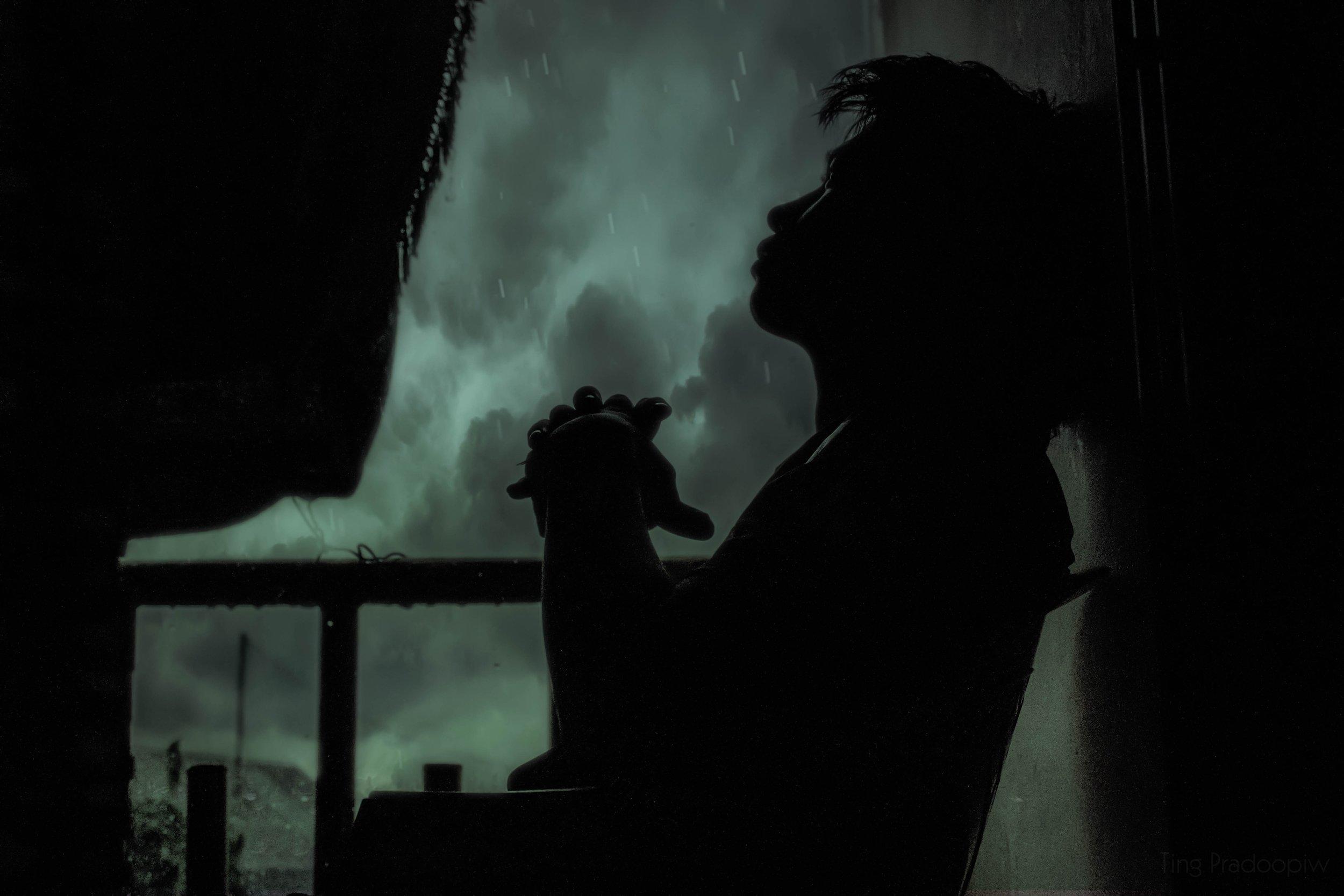 adult-alone-backlit-268833.jpg