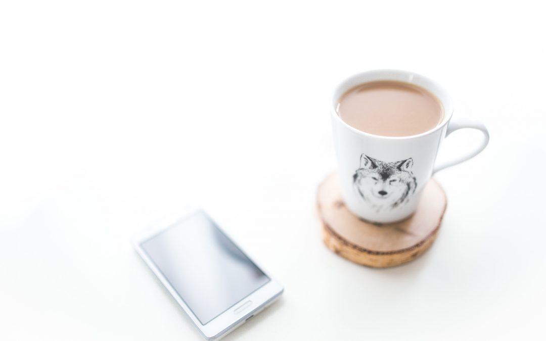 coffee-mug-smartphone-desk.jpg