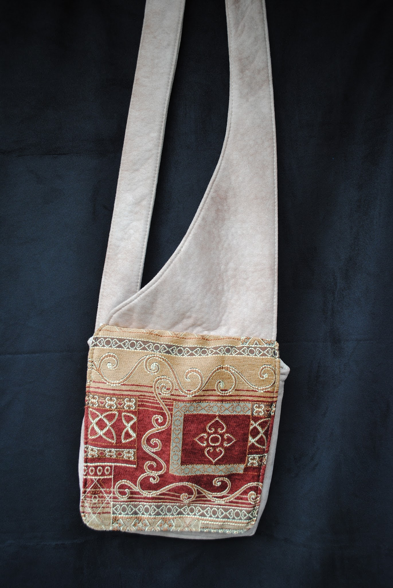 Alabaster Messenger Bag