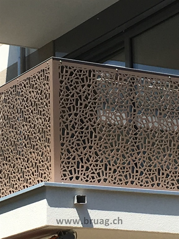 Balcony Balustrade Bruag_Cellon 8mm_Perforation 50050_Viktoriastrasse Zürich 10.JPG