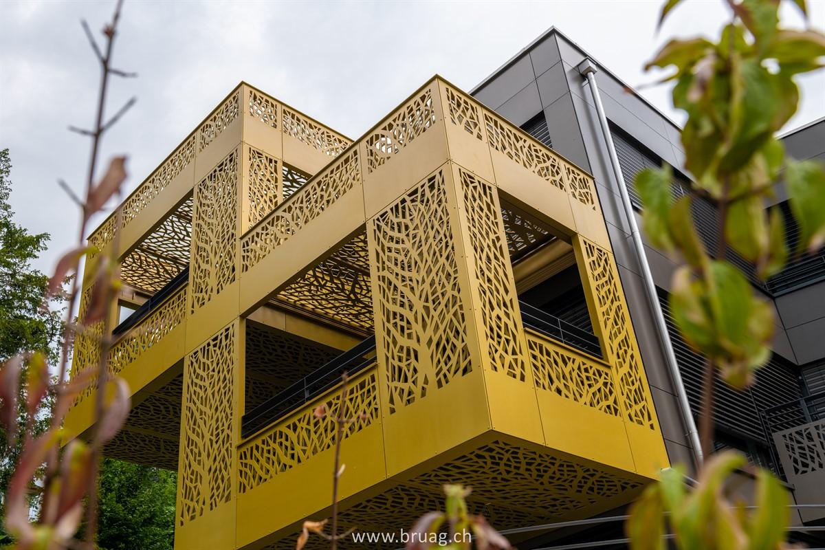 Backventilated Facade and Balcony Cladding Bruag_CELLON 8&10mm_Perforation Customer Design_Seestrasse 108 Kilchberg_6.jpg