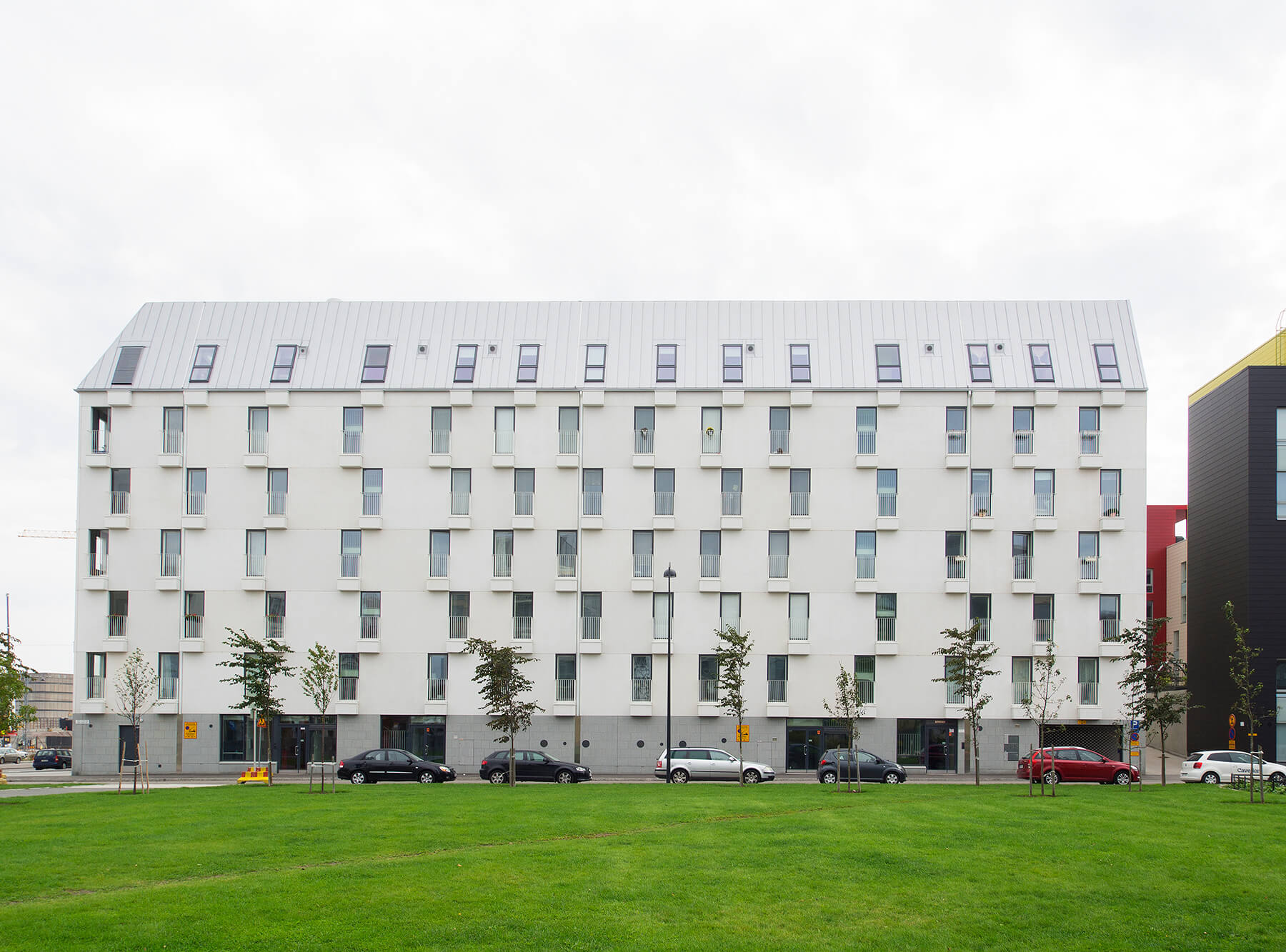 lansisatamankatu-residential-building-graphic-concrete-005-1800px.jpg