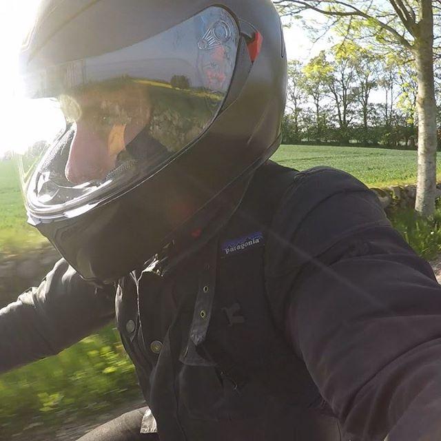 🏍☀️🌳 beep beep, back on the bike! #motorbike #denmark