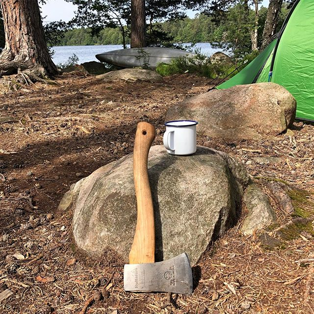 Last week was deep in the Swedish lakes kayaking and exploring with good friends. Already planning the next adventure with the trusty axe. . #kayak #sweden #exploring #camping
