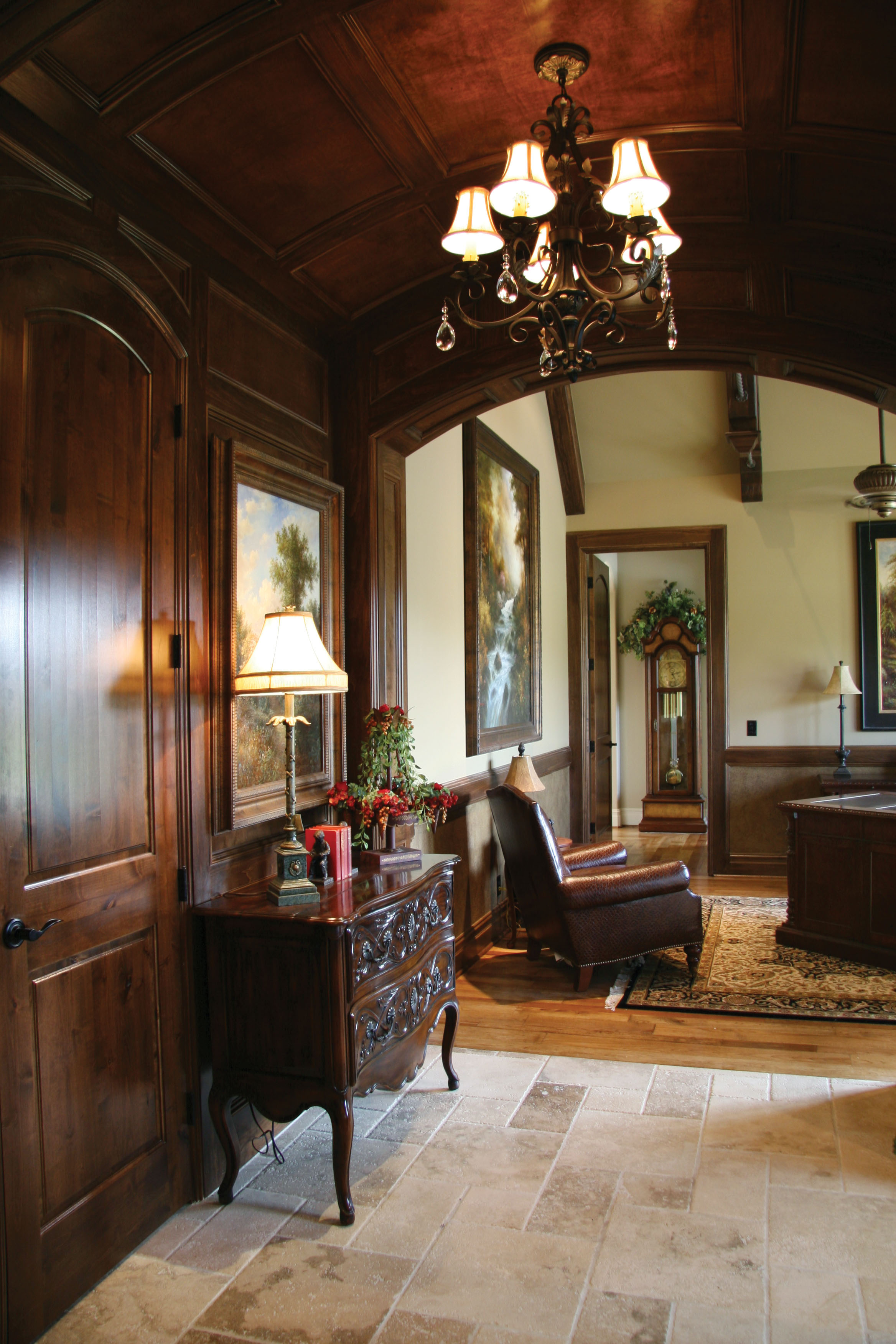 hallway9002.jpg