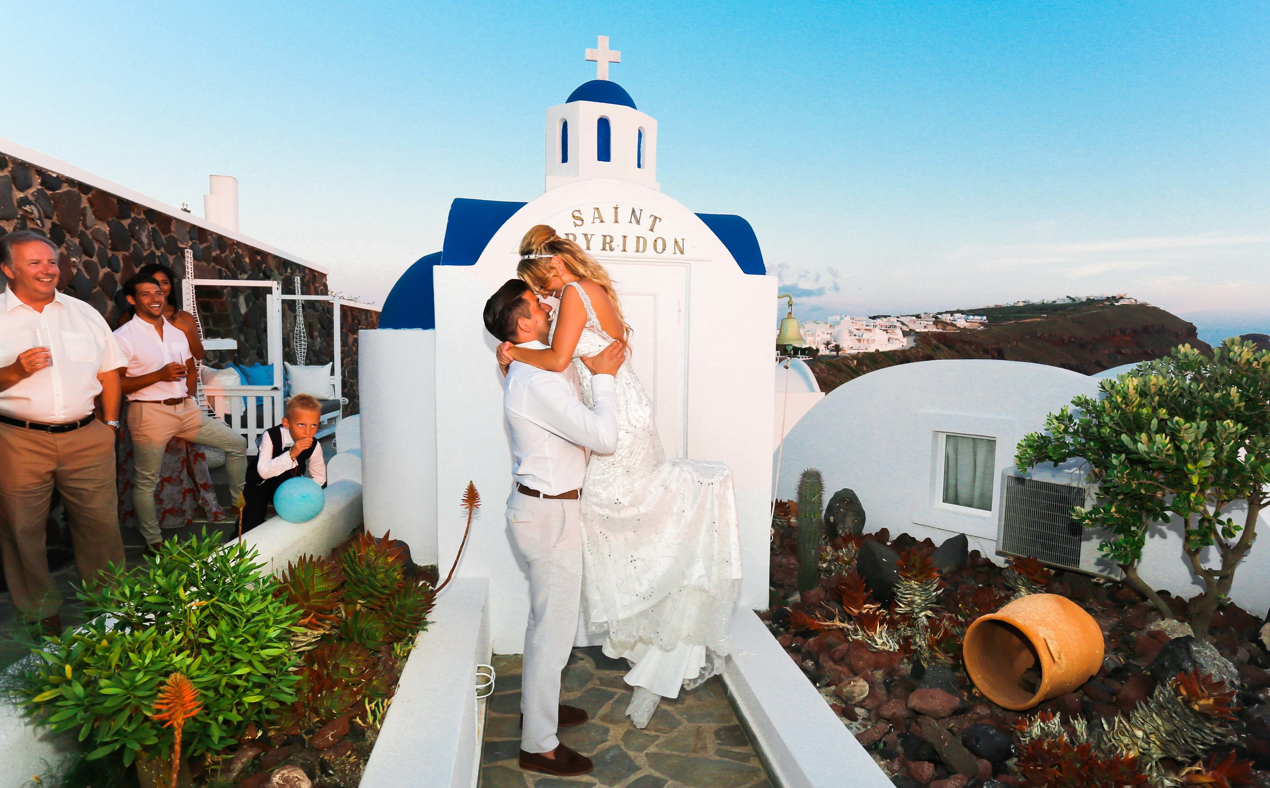073 - Kerry and Lee - Destination Wedding in Santorini by www.markpugh.com -1012.JPG