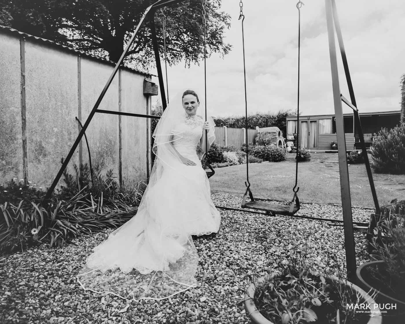 051- Laura and Peter - Wollaton Hall Wedding Nottingham UK by Mark Pugh www.markpugh.com.jpg