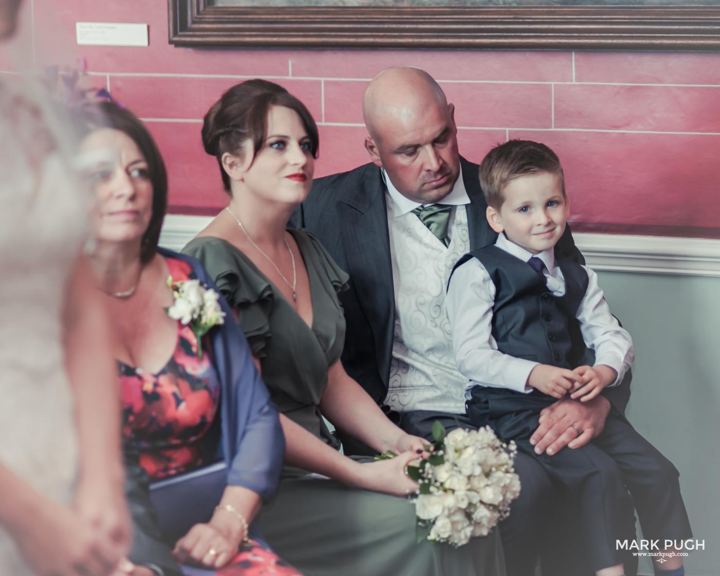 086- Laura and Peter - Wollaton Hall Wedding Nottingham UK by Mark Pugh www.markpugh.com.jpg