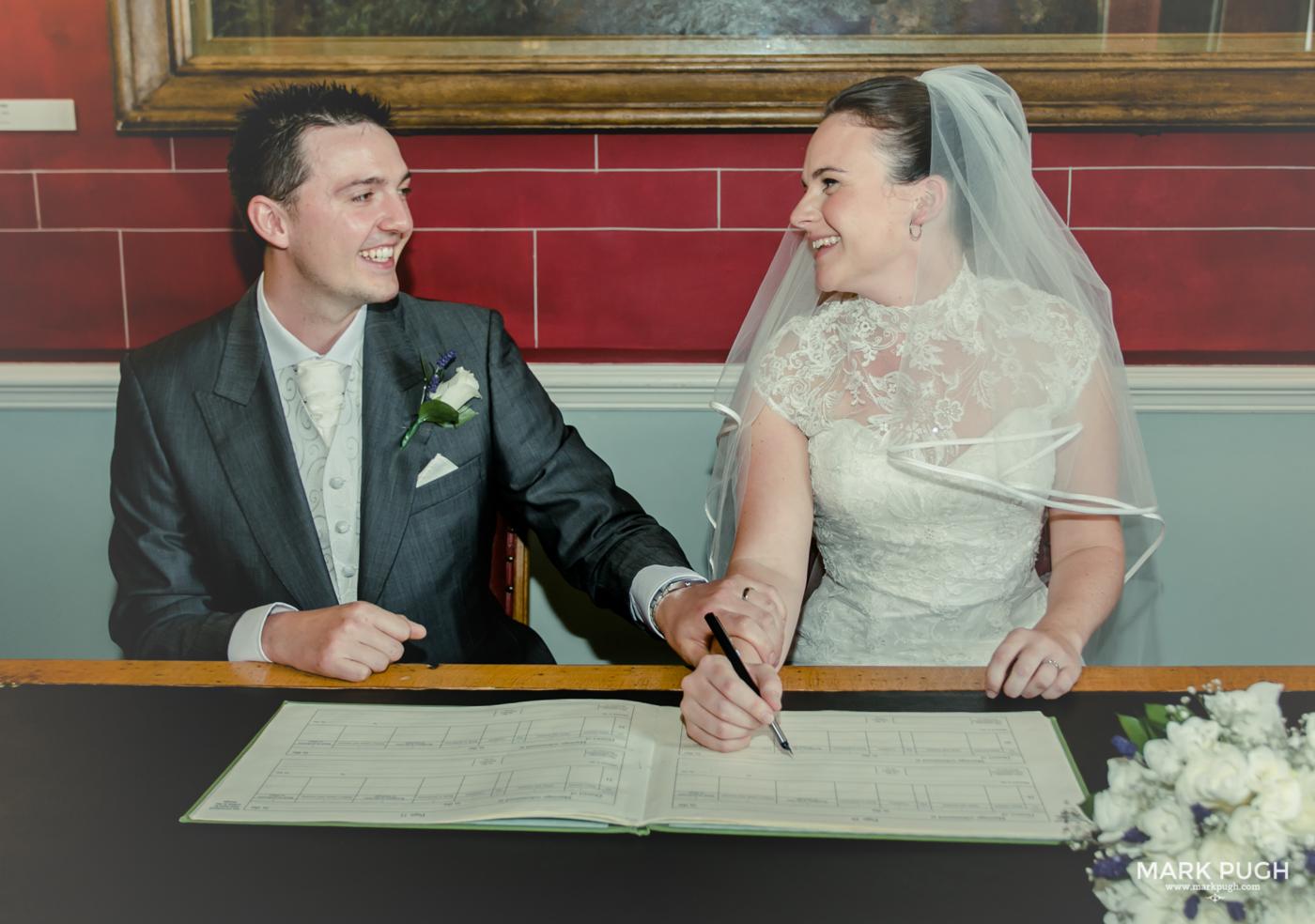 099- Laura and Peter - Wollaton Hall Wedding Nottingham UK by Mark Pugh www.markpugh.com.jpg