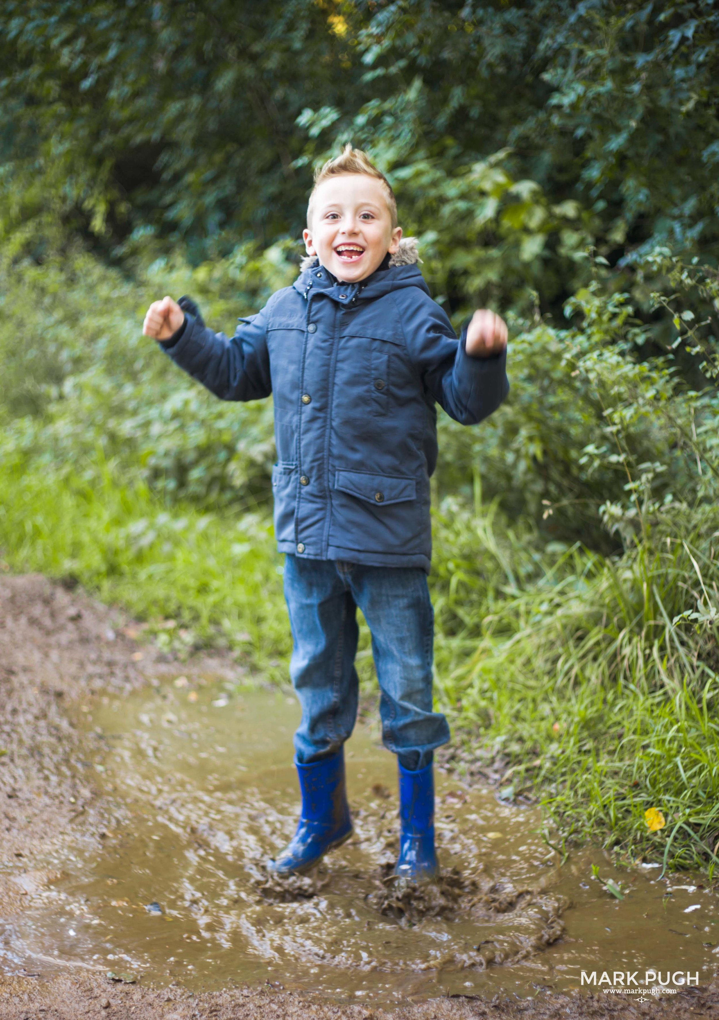 016 - Claire Richard Oliver Dominic and Neave Family photography in the Vale of Belvoir by www.markpugh.com Mark Pugh of www.mpmedia.co.uk 0126.JPG