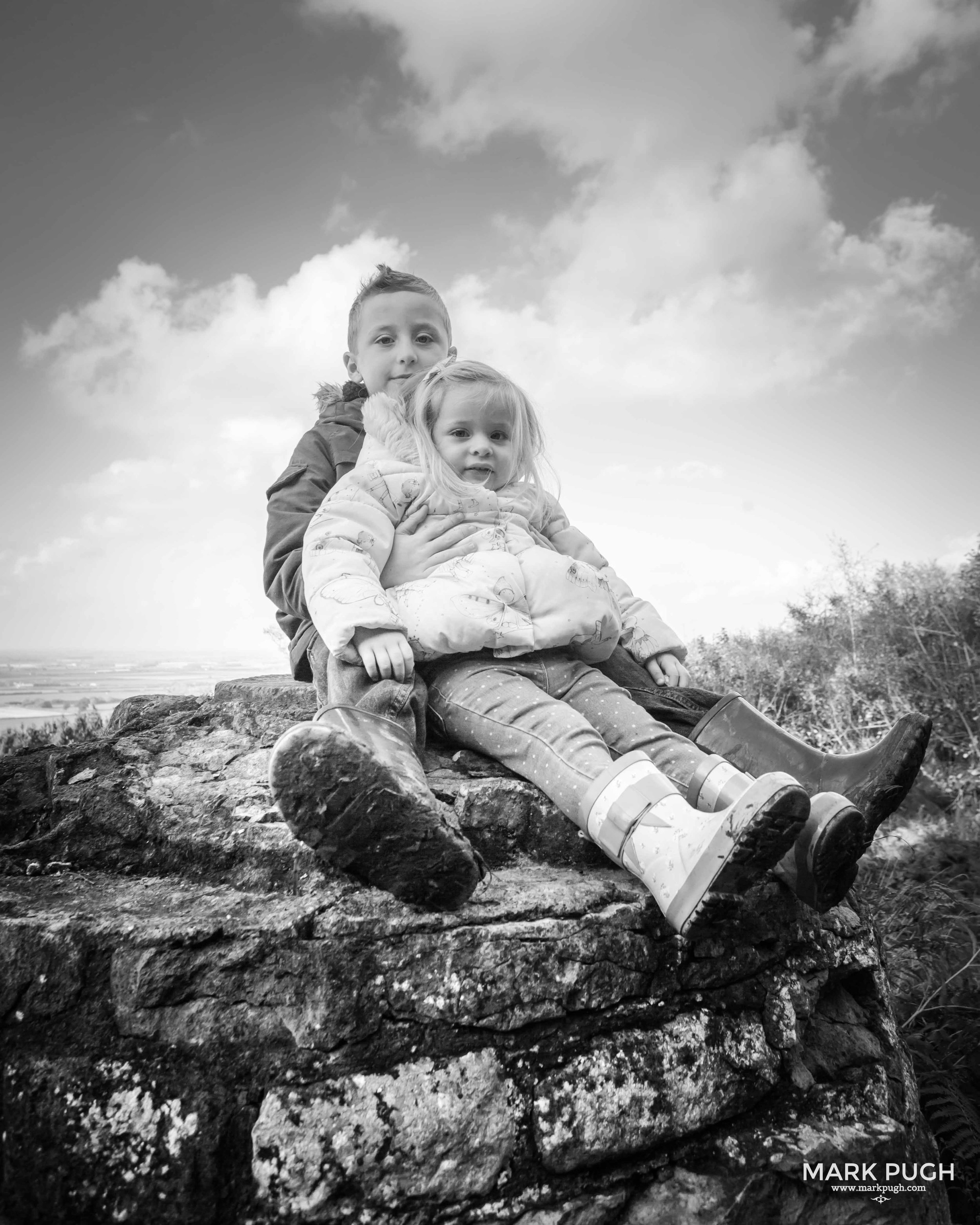 049 - Claire Richard Oliver Dominic and Neave Family photography in the Vale of Belvoir by www.markpugh.com Mark Pugh of www.mpmedia.co.uk 2.JPG