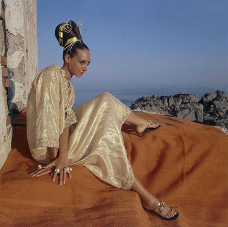 Marisa-Berenson-in-nice-pose.jpg