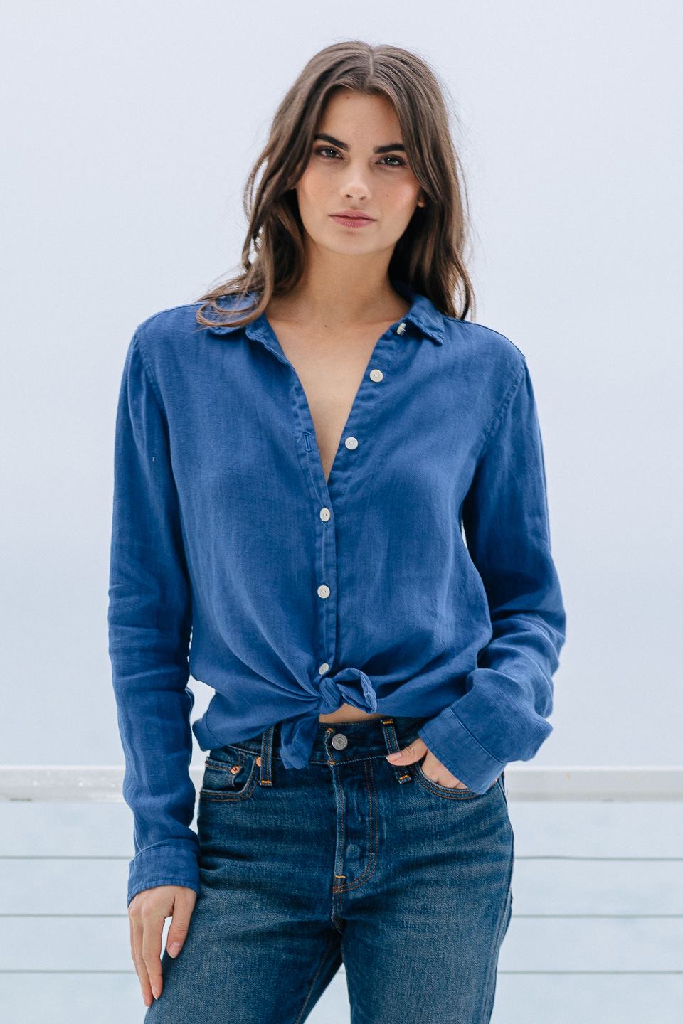 Windward button down in linen - indigo