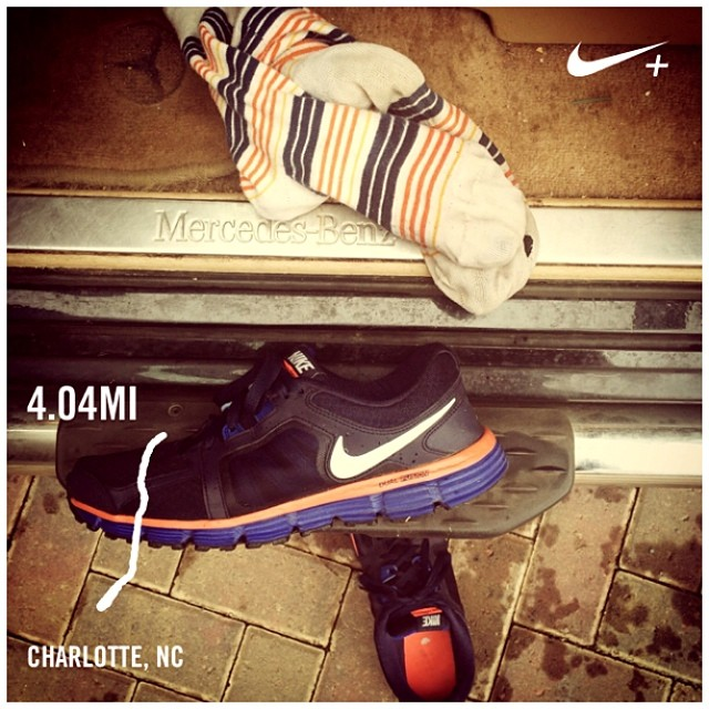 Ra_i_n_through_a_few_puddles.___nikeplus__CLT.jpg