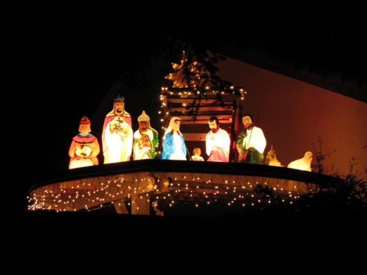 Nativity scene on the roof.jpg