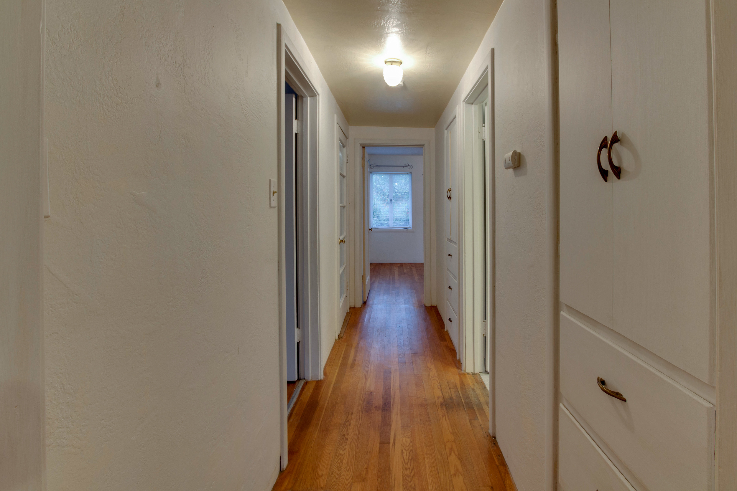 Hallway-8457.jpg