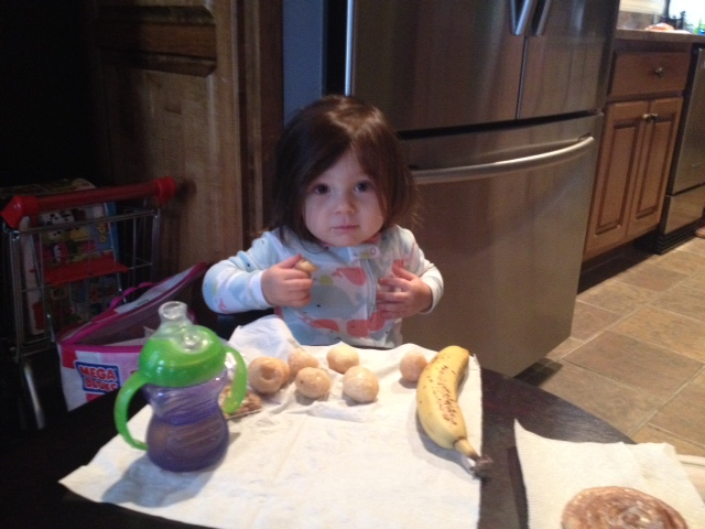 Donuts for breaksfast! I'm sure she was in heaven. Is it just me, or does she kinda look like she's wearing a wig?