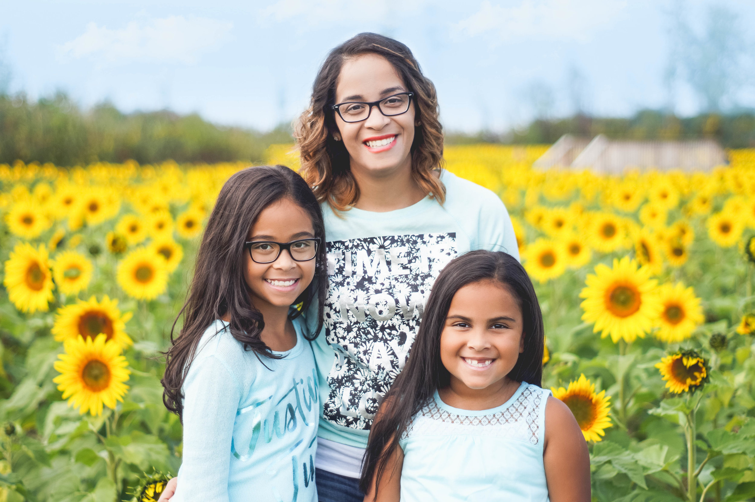 Cruz girls, surrounded by gold!