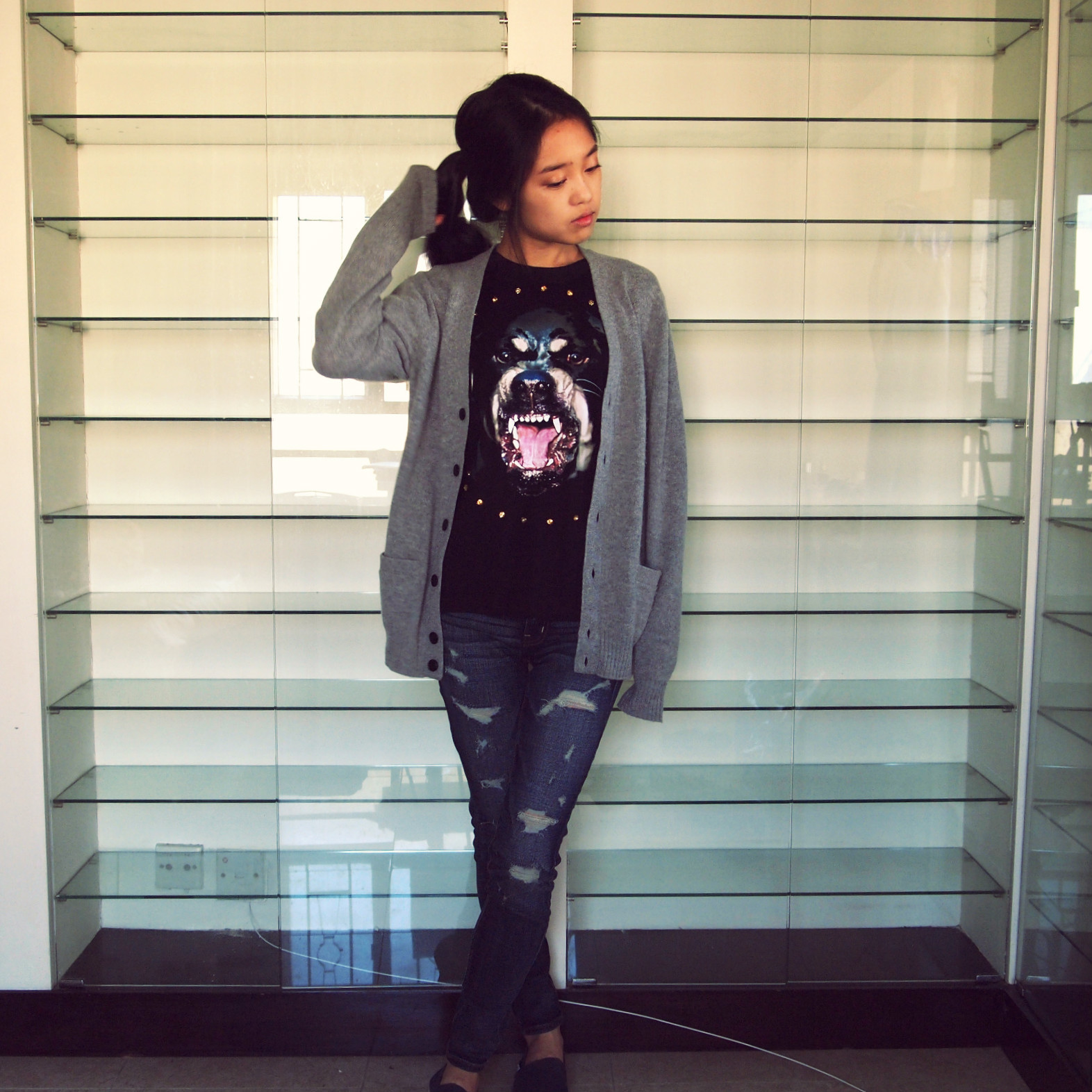 Shameless Givenchy copycattee, Uniqlo Cardigan, American Eagle jeans, Toms