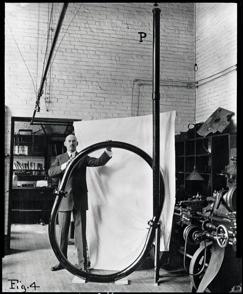 Goddard at Clark Physics lab 6475p.jpg