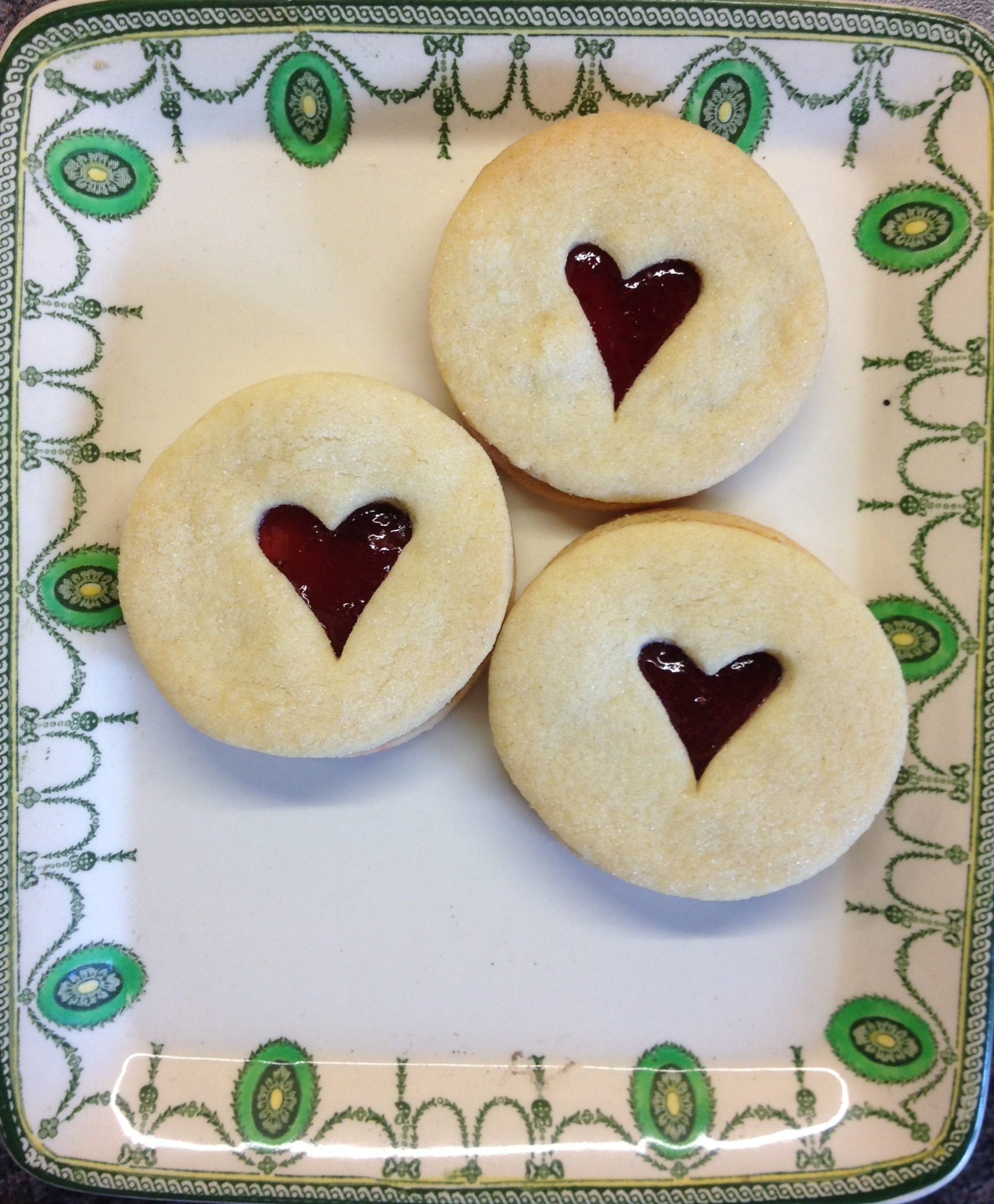 Jam Dodger Biscuit: Individual or in a box of 4
