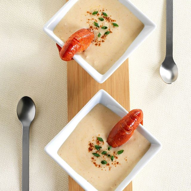 Lobster bisque for 2 tonight? #brianwetzstein #itmakesmehungry #foodporn #foodphotography #chicagofood #foodgram • • • • • #foodgasm #foodpics #foodlover #foodblogger #foodpic #foodies #eeeeeats #foodblog #f52grams #foodshare #yum #nomnom #feedfeed #soup #lobster #lobsterroll #chicagofoodauthority #foodspotting #foodforfoodies #igfood #seafood #foodstyling #chicagofoodmag #foodlove