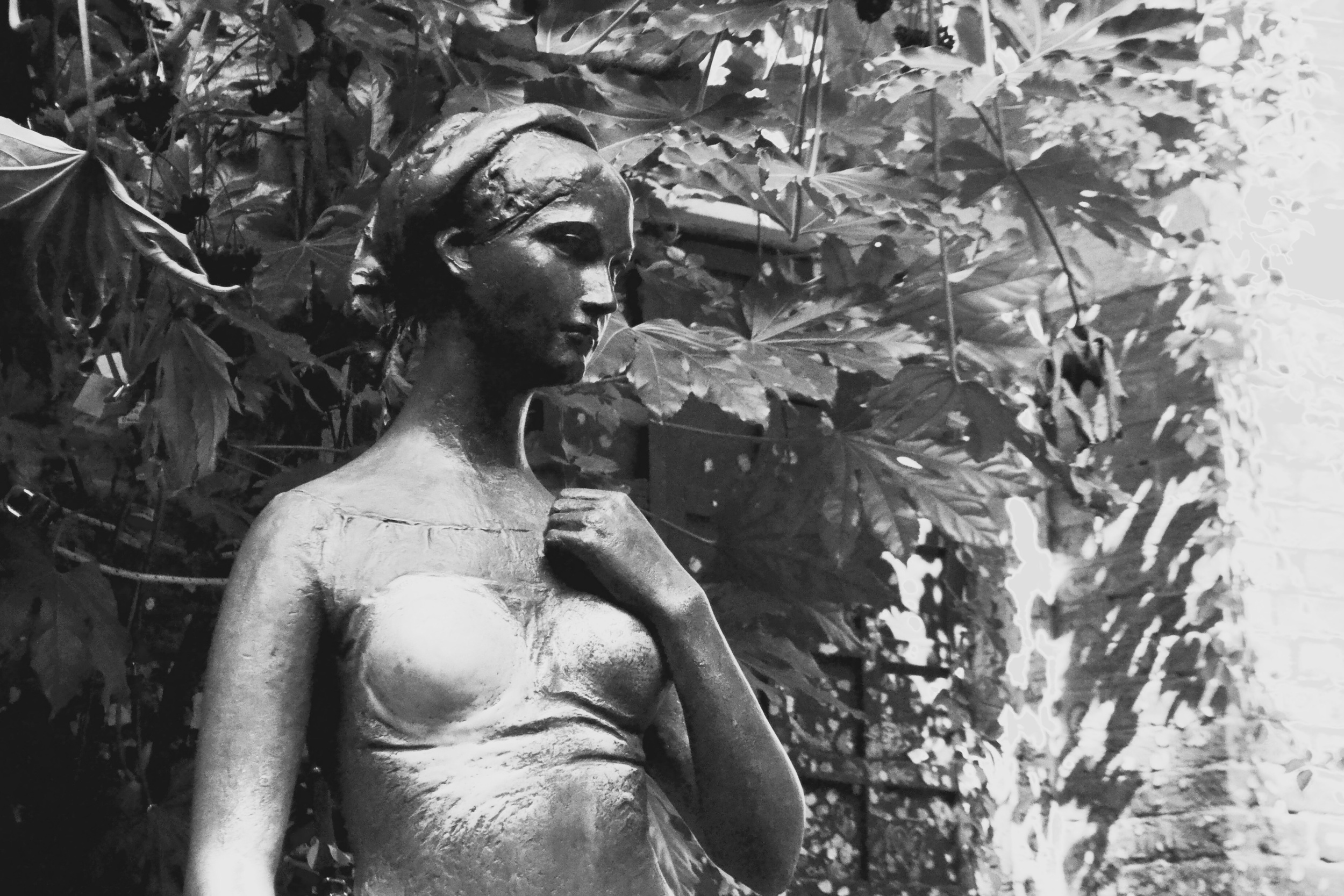 Giulietta, with her polished bust: a result of frequent fondling from passers-by.