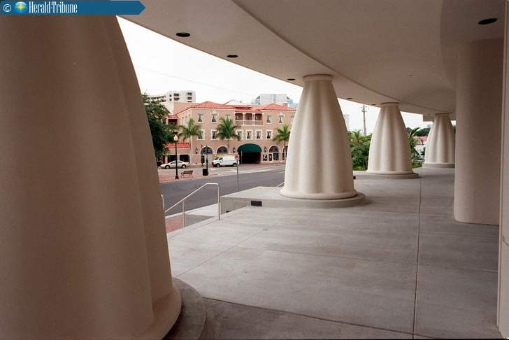 A view of the pillars of the Selby Public Library, facing Selby Five Points Park and the Sarasota Opera House. A provision in Sarasota County's comprehensive plan states that the county is required to maintain and pay for a special environmental section at the library. (H-T ARCHIVE)