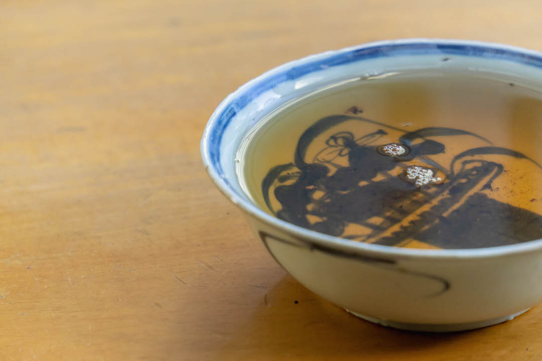 Tea of the month, Panchen Lama.  A tabletop tea photo by Dalton Johnson Media,  www.daltonjohnsonmedia.com  or  @daltonjohnsonmedia