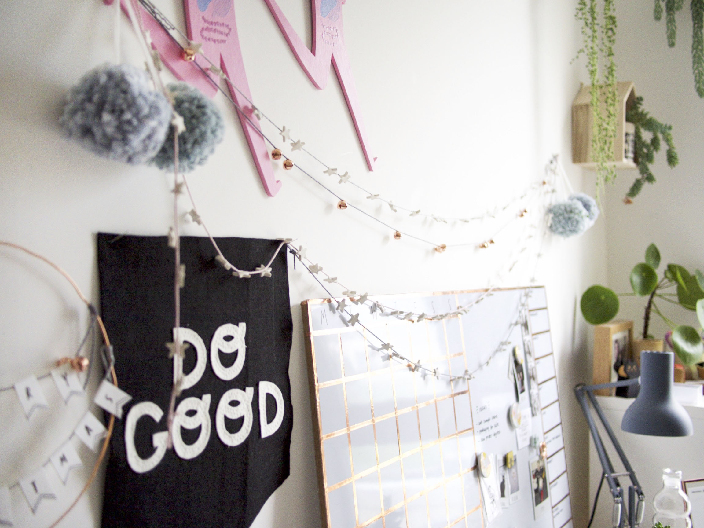 Cute little festive garlands by OH NO Rachio!